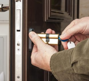 Tips to find a good reliable locksmith