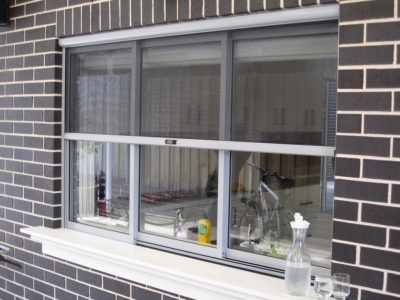 Retractable screen doors in Sydney