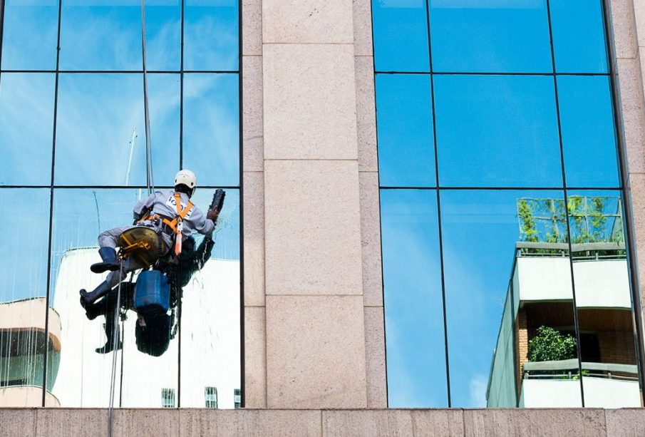 What Are The Advantages of Hiring A Professional Window Company?