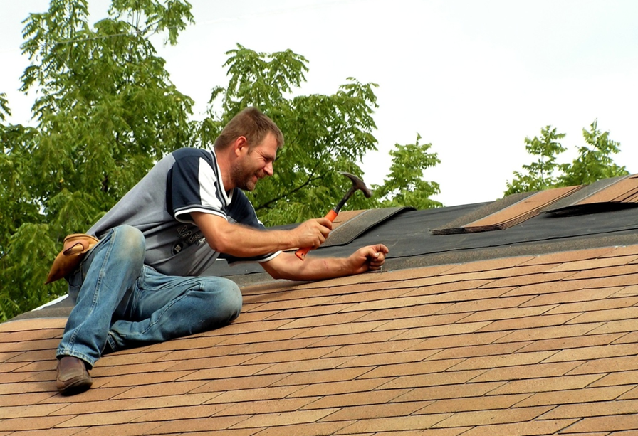 5 Roof Leak Repair Tips and Tricks to Use This Winter